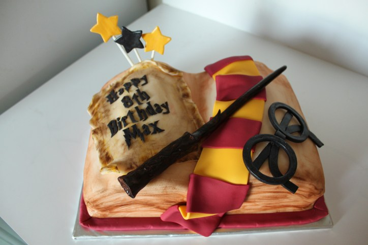 Admirable Harry Potter Birthday Cake Lil Miss Cakes Personalised Birthday Cards Paralily Jamesorg