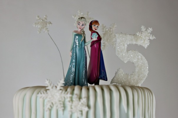 Anna and Elsa Figurines | Lil Miss Cakes