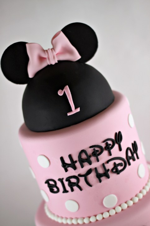 Top of Minnie Mouse Cake | Lil Miss Cakes