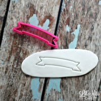Simple Banner Cutter | Lil Miss Cakes