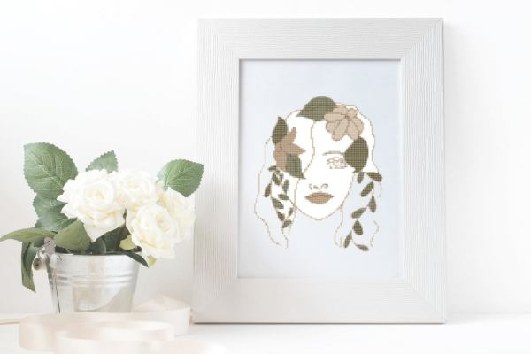 Point De Croix Abstrait Femme Aux Fleurs
