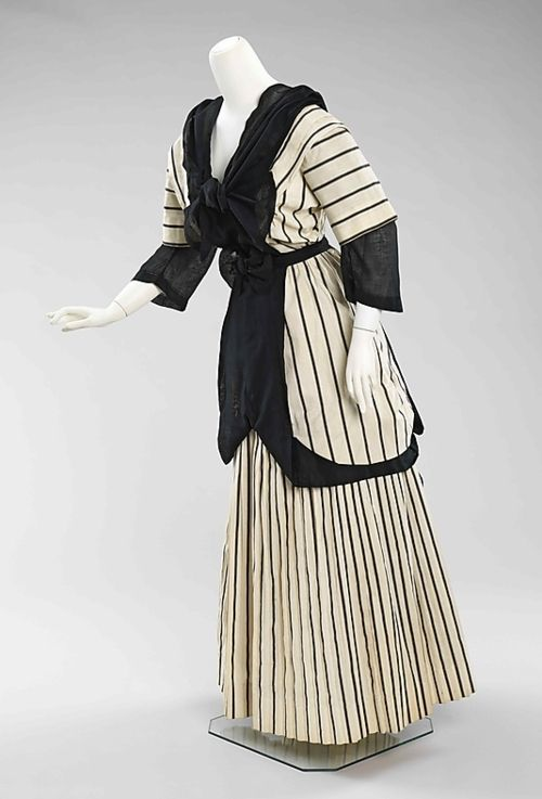 Day Dress, American, c. 1912 - 1915; Constructed of cotton; Metropolitan Museum of Art (2009.300.245a–c)