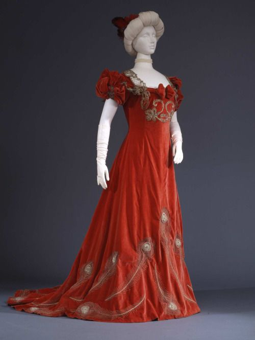 Evening Dress, 1905; Collection Galleira del Costume di Palazzo Pitti