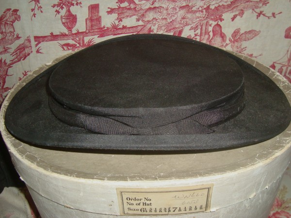 Opera Hat 11