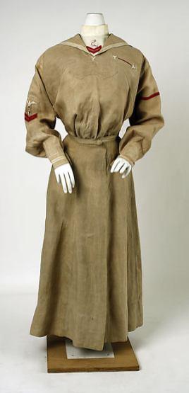Day Dress, American, c. 1900; Metropolitan Museum of Art (1980.171.3a–c)