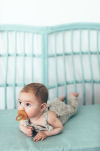 bébé tétine naturelle