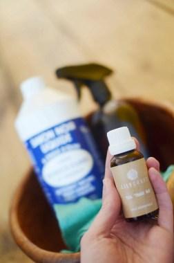 huile essentielle de tea tree pour le ménage au naturel