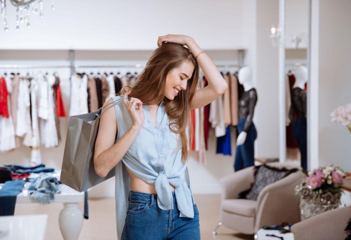 comprare abbigliamento vestiti saldi prezzi bassi
