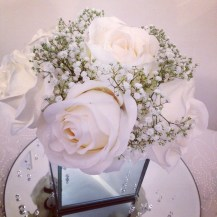 cube-vase-roses-and-gyp-by-lily-special-events