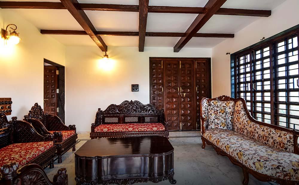Lonavala-Colonial Villa 15