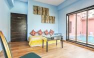 Luxury-Pool-And-Deck-Villa-11