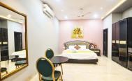 Luxury-Pool-And-Deck-Villa-19