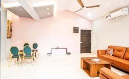 Luxury-Pool-And-Deck-Villa-5