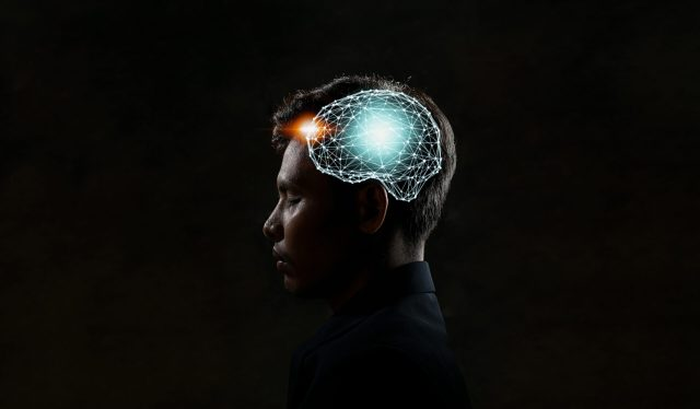 Image of brain under heading about smartphone addiction