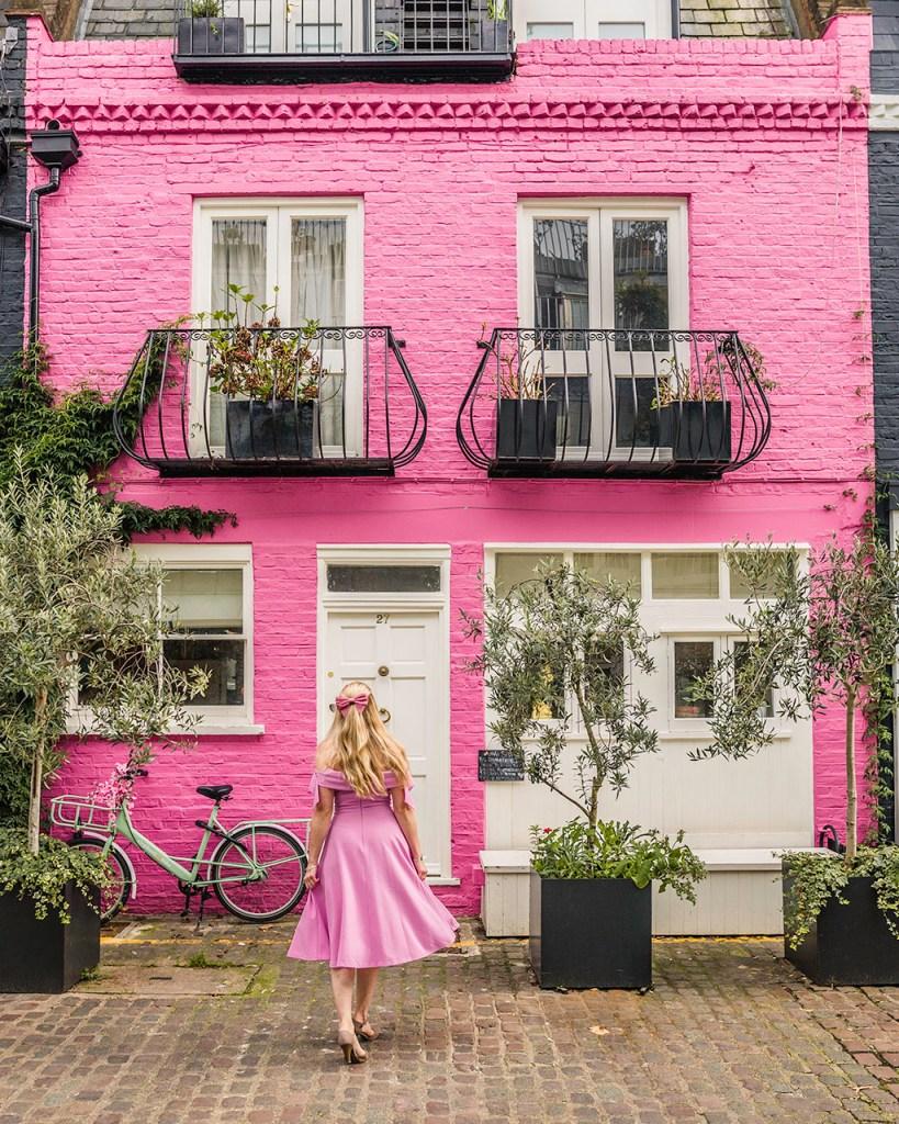 Notting Hill Pink House in St Luke Mews - London