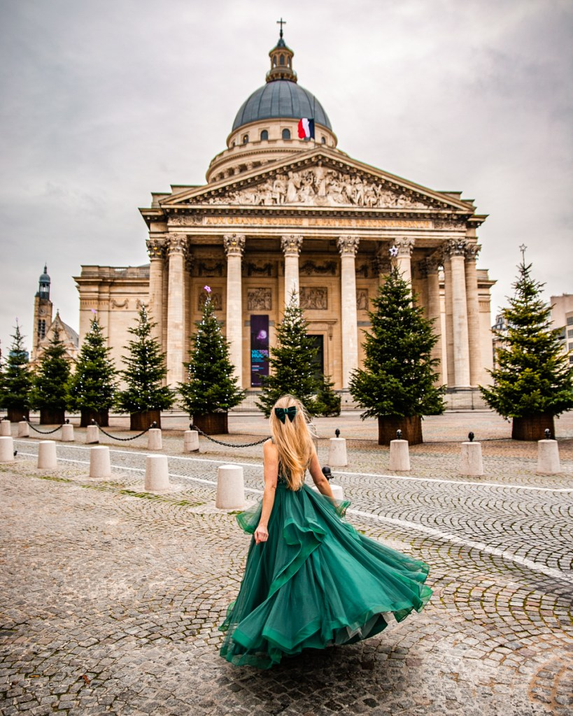 Christmas trees at the Panthéon - Christmas in Paris