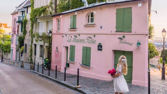 La Maison Rose in Montmartre - Paris