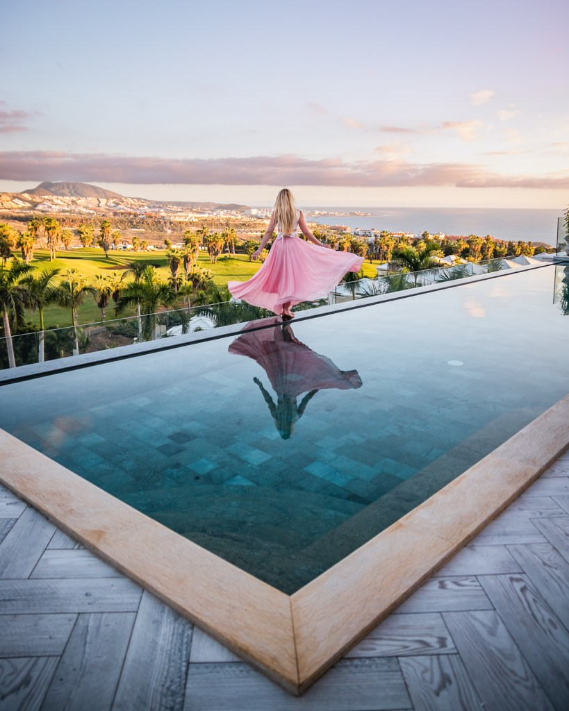 Rooftop Infinity Pool in Royal River Hotel in Tenerife - Canary Islands