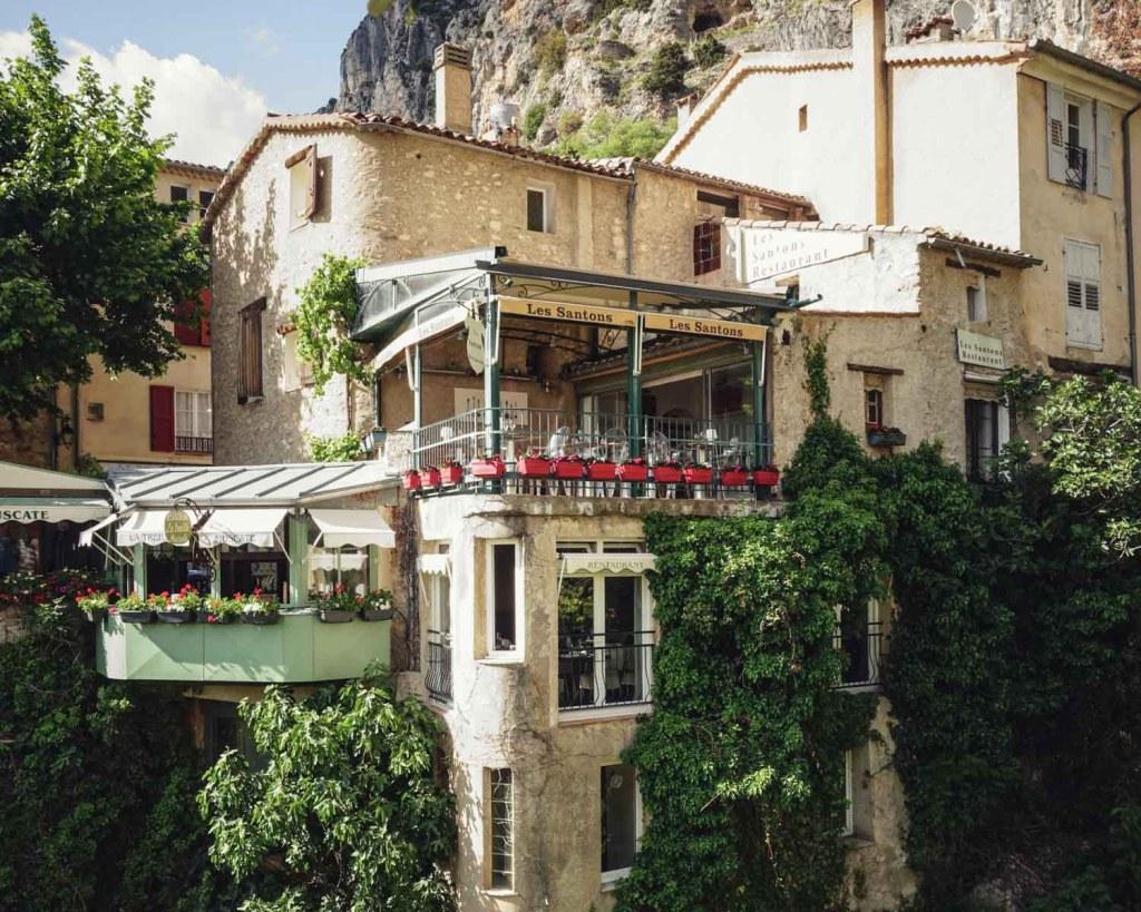 Moustiers Sainte Marie in Provence - Photo by Raissa Lara Lütolf (-Fasel) on Unsplash