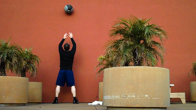 DIY WALL BALL (AKA MEDICINE BALL) AND HOW TO WORKOUT WITH IT