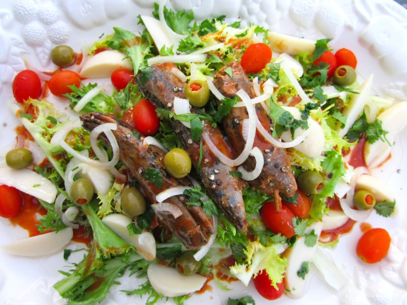salad portuguese 800x600 - ΤΟP PORTUGUESE FOOD: DISHES YOU NEED TO TRY