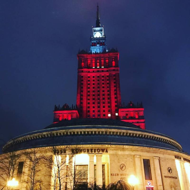 palace 800x800 - THE ULTIMATE GUIDE TO TRAVEL TO POLAND ON A BUDGET; PART 2 - WARSAW