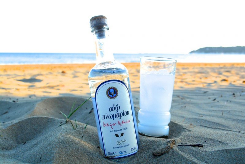 "ouzo e1563729940126 800x535 - 8 ""TASTY"" FESTIVALS IN GREECE IN AUGUST AND SEPTEMBER"