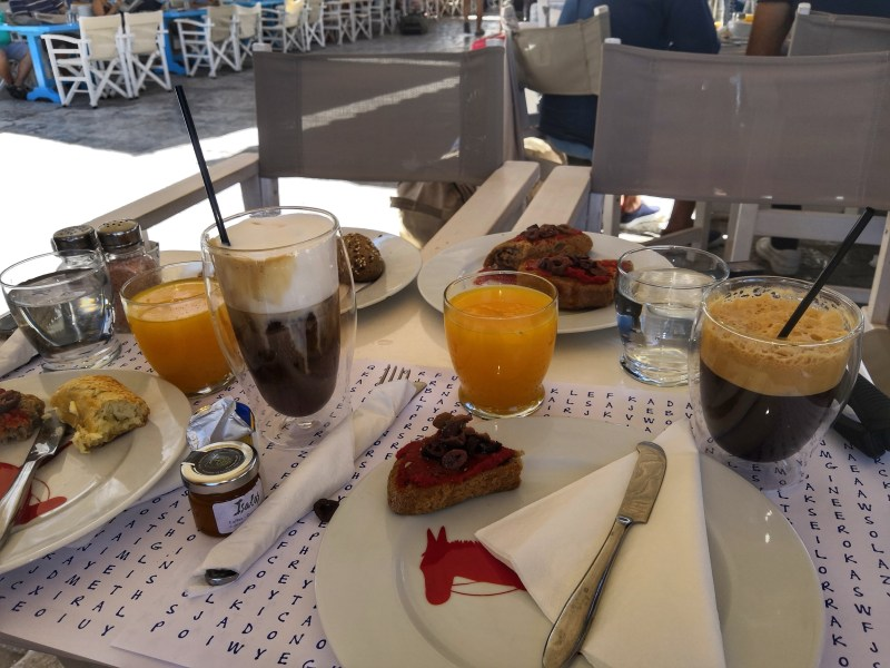 breakfast in Hydra