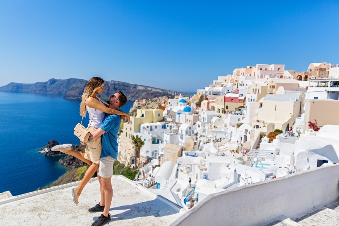 Santorini honeymoon destinations