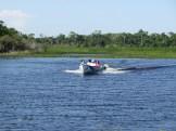 Transporte dos alunos de barco
