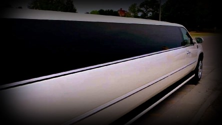 Picture of Limo Ct 18 Passenger Cadillac Escalade Limousine