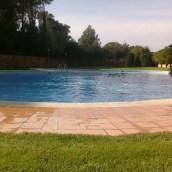 Las piscinas abren tarde