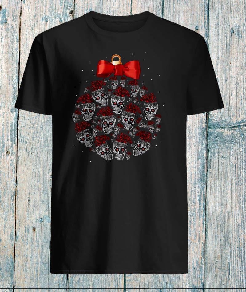Skull christmas ball glitter pattern t-shirt
