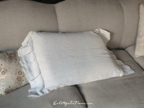 Coussin en drap de lin - Drop cloth cushion