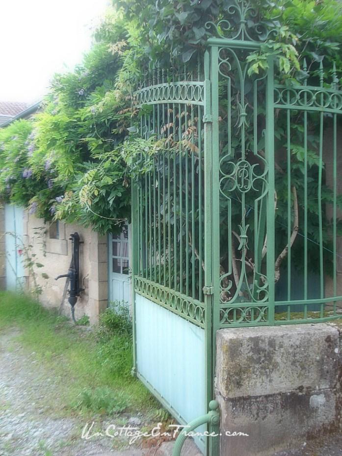 La maison bleue de Chateauponsac 1