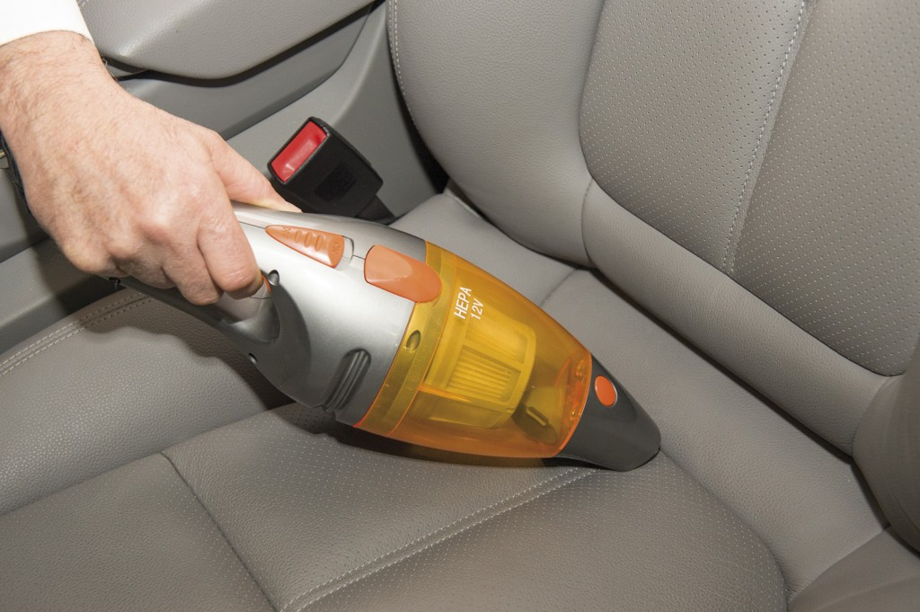 C mo limpiar los asientos de cuero del coche globalimp for Como limpiar asientos de cuero