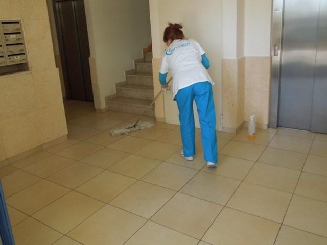 limpieza-de-comunidades-serviclean-levante-640x480