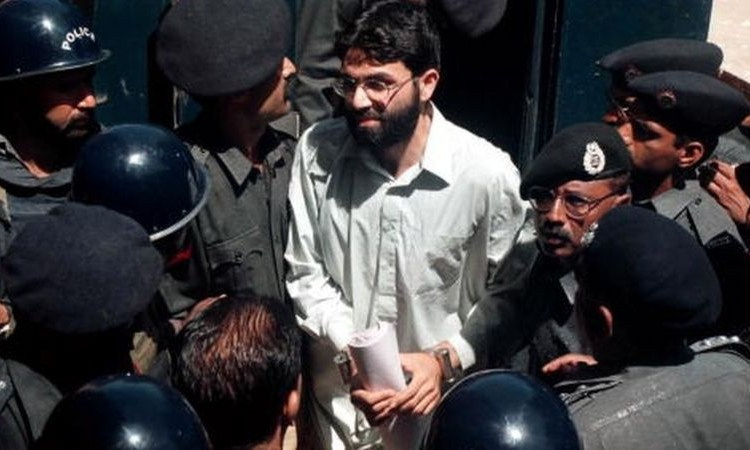 A Pakistani court has ordered the release of the British-born militant, Omar Sheikh who was accused of killing an American journalist, Daniel Pearl in 2002.