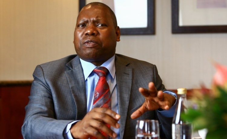 South African Health Minister, Zweli Mkhize calls for a continued ban on the sale of alcohol.