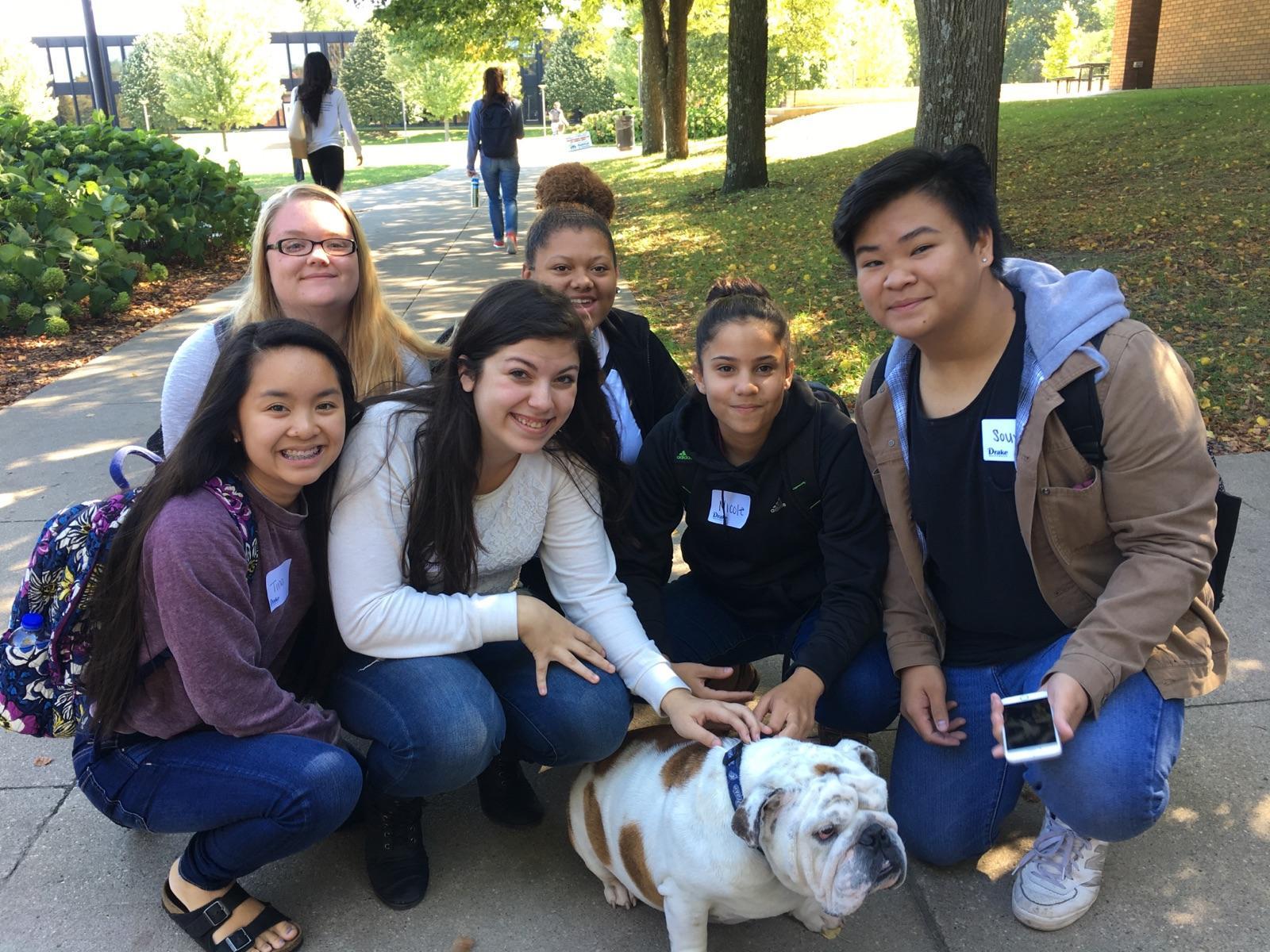 Avid Students Visit Drake University