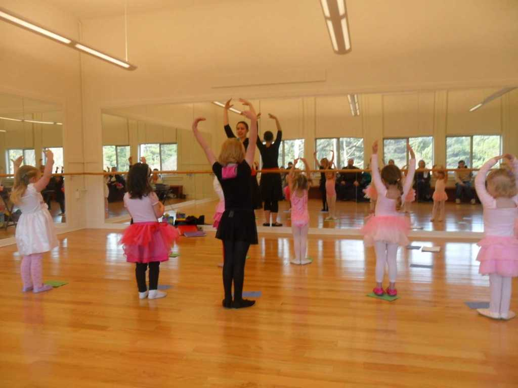 Beginner Ballet Class at the Lincoln City Cultural Center