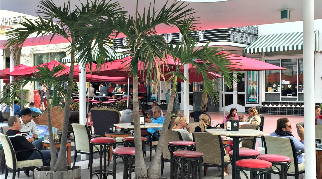 Segrafredo on Lincoln Road is favorite hot spot for great music, tapas and cocktails!