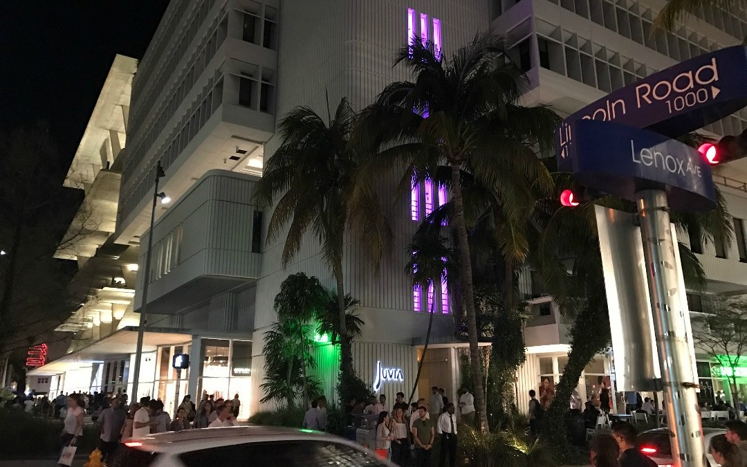 AFTER SUNSET – LINCOLN ROAD IS THE PLACE TO BE IN SOUTH BEACH!!!