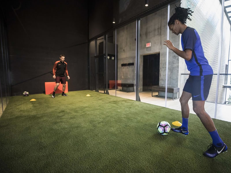 best sneakers e19f3 242b3 Nike Miami – try the soccer trial zone