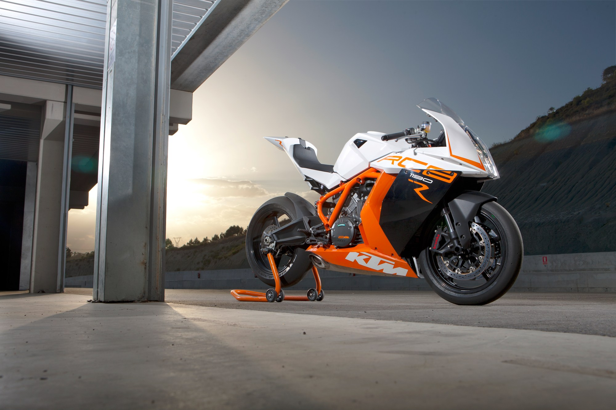 hight resolution of tested ktm rc8r