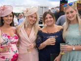 Video: Thousands dress to impress at Market Rasen Ladies Day 2017