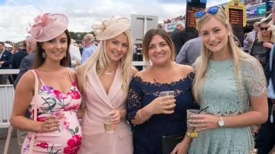 Ladies Day at Market Rasen Racecourse. Photo: Matthew Lee for Lincolnshire Reporter