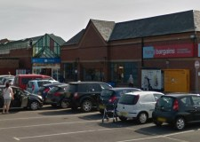 Vodafone shop assistant chased Skegness robber before being threatened with knife