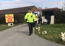 Police and RSPCA raid Killingholme pets centre