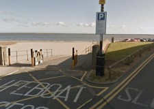 Police search for Cleethorpes flasher